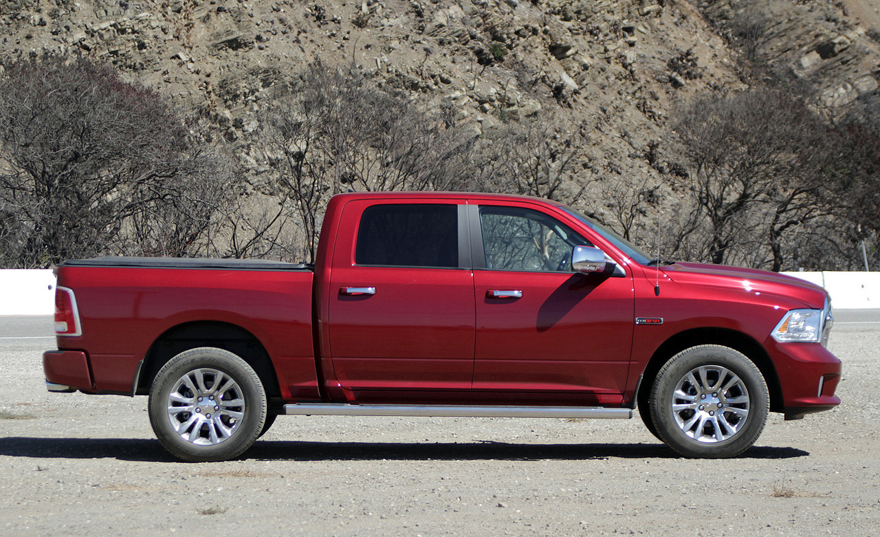 2014 ram 1500 ecodiesel nets car like 28 mpg rating. Black Bedroom Furniture Sets. Home Design Ideas