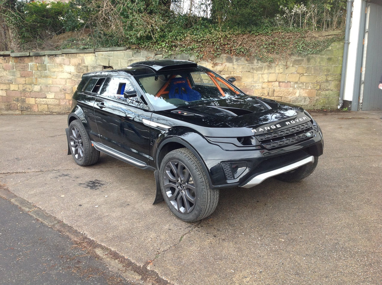 evoque milner lrm 1 rang rover supercharged v8 550hp pics. Black Bedroom Furniture Sets. Home Design Ideas