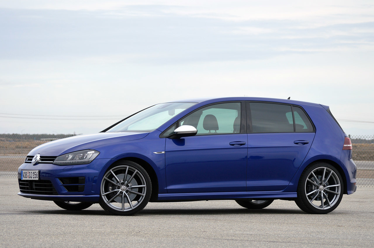 2015 volkswagen golf r turbo 2 0l i4 292hp awd 3 283lbs 36k. Black Bedroom Furniture Sets. Home Design Ideas